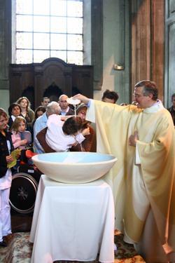 Baptisé au nom du Père, du Fils et du StEsprit