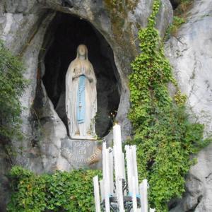 Lourdes_grotte_1024x768_