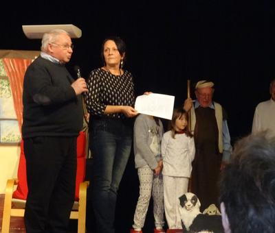 l'abbé Duhaubois remercie l'animatrice ' Fabienne, les résidents, et tous les acteurs
