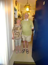 SEM  6) en fin de visite un couple en immeuble