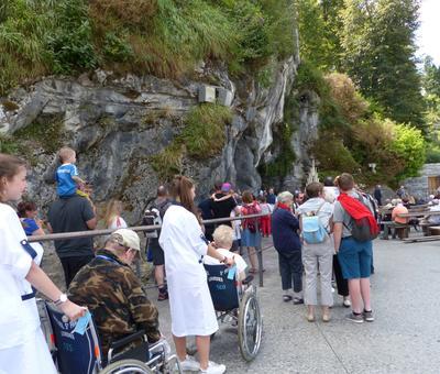 Lourdes2018-photos passage grotte (6)