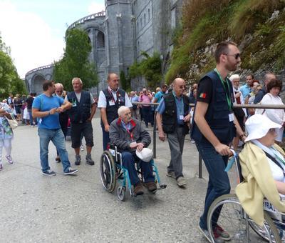 Lourdes2018-photos passage grotte (10)