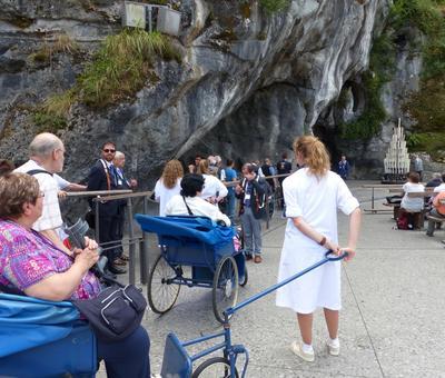 Lourdes2018-photos passage grotte (13)