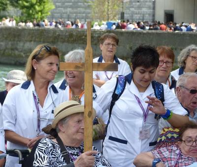 Lourdes2018-photos chemindecroix prairie (3)