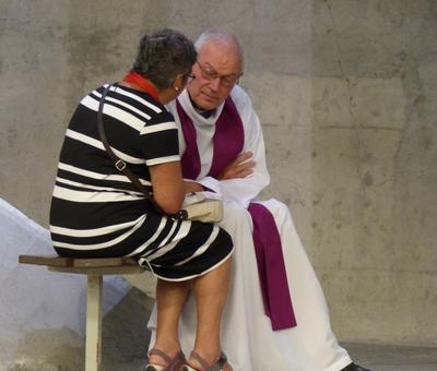 Lourdes2018-photos Sacrmt reconciliation (25)