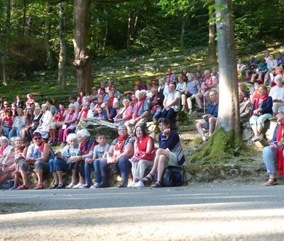Lourdes-2018 - photos Cathedrale verdure (17)