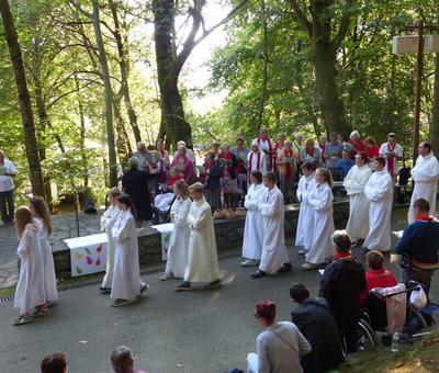 Lourdes-2018 - photos Cathedrale verdure (30)