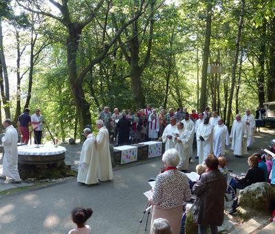 Lourdes-2018 - photos Cathedrale verdure (31)