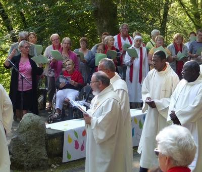 Lourdes-2018 - photos Cathedrale verdure (32)