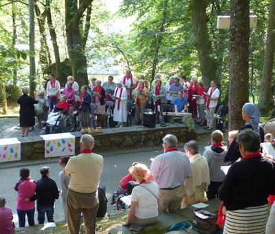 Lourdes-2018 - photos Cathedrale verdure (44)