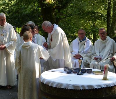 Lourdes-2018 - photos Cathedrale verdure (63)