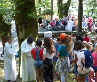 Lourdes-2018 - photos Cathedrale verdure (70)