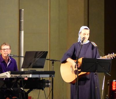 Lourdes 2018 - photos - Recital Soeur Agathe (57)