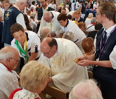 Lourdes 2018 - photos onction malades (86)