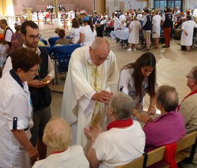 Lourdes 2018 - photos onction malades (98)