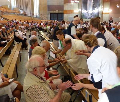 Lourdes 2018 - photos onction malades (109)