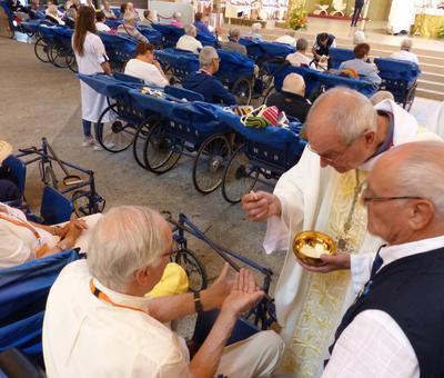 Lourdes 2018 - photos onction malades (130)