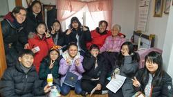 Avec les enfants de l'Ecole Missionnaire