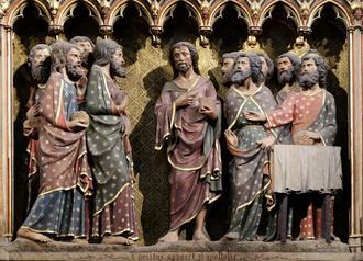 Frise sculptee et peinte a l'interieur de la cathe