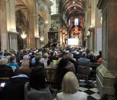 2019-05-10 Natasha St Pier a la cathedrale (2)