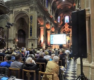 2019-05-10 Natasha St Pier a la cathedrale (3)