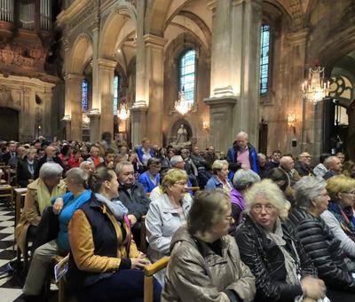 2019-05-10 Natasha St Pier a la cathedrale (5)