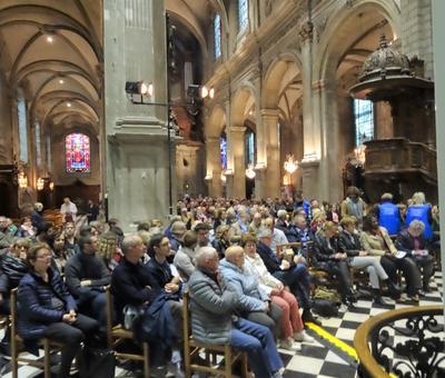 2019-05-10 Natasha St Pier a la cathedrale (6)