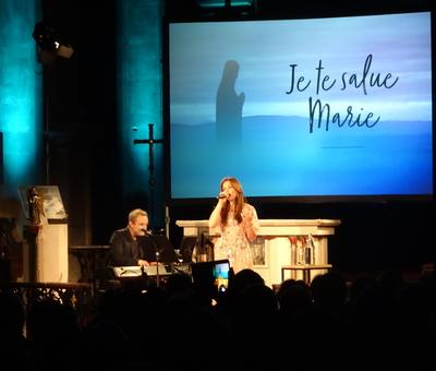 2019-05-10 Natasha St Pier a la cathedrale (23)