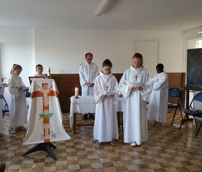 servants autel juillet19 7