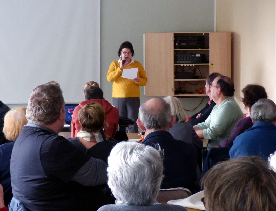 La vice-présidente, Marie-Noëlle Correau, introduit la présentation du Rapport Statistique.
