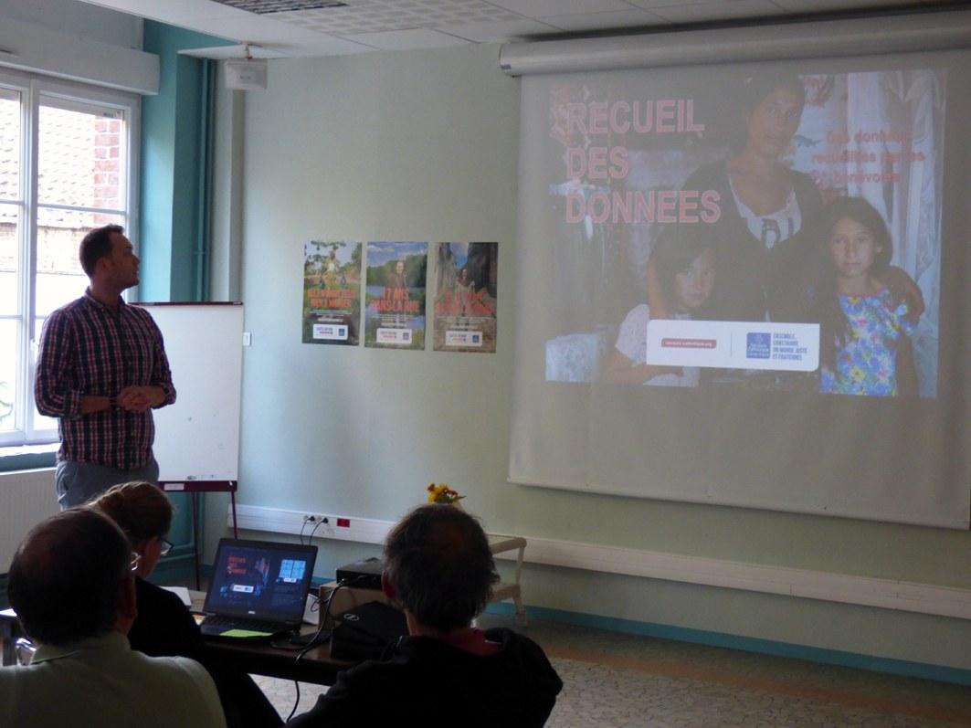 Maxime Kerlidou, animateur, présente et explique l'essentiel du Rapport Statistique.