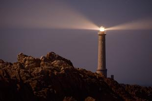 phare rocks-2560792_960_720 pixabay