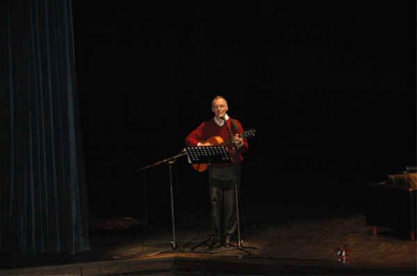 Accueil en chansons avec Yves Garbez