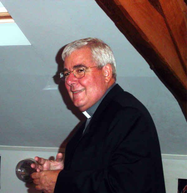 Un archevêque au contact vrai avec les jeunes
