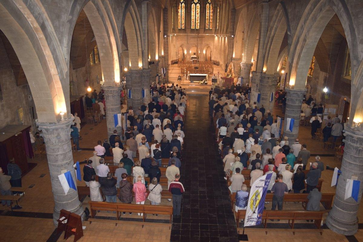 Les fidèles sont venus nombreux pour fêter Marie