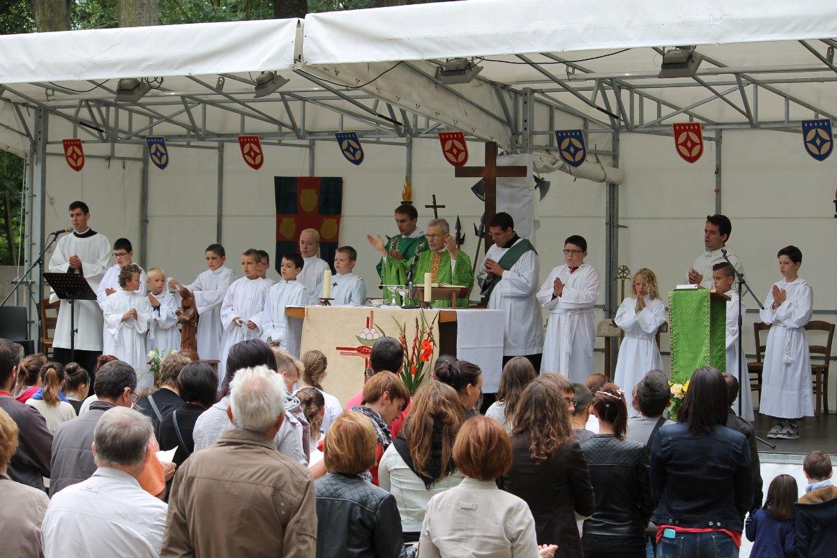 Au cours de la Messe au Patro