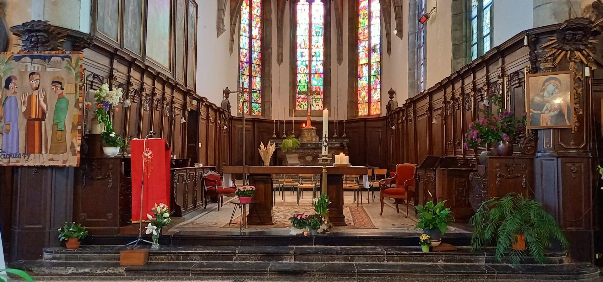 L'autel de l'eglise Saint Pierre