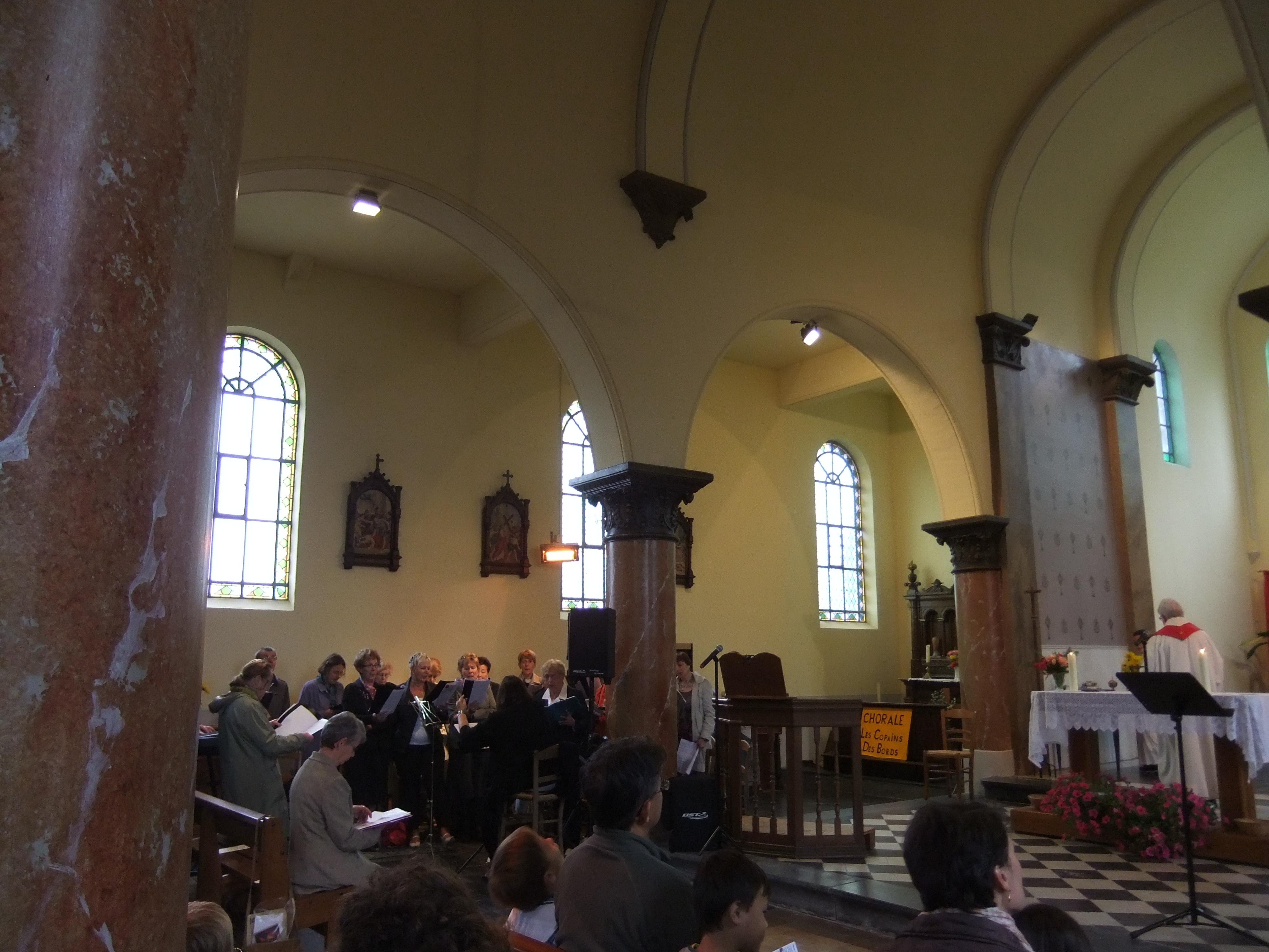 La chorale à l'Eglise St MAURICE A l'occasion de la fete St MAURICE le 23-12-2012