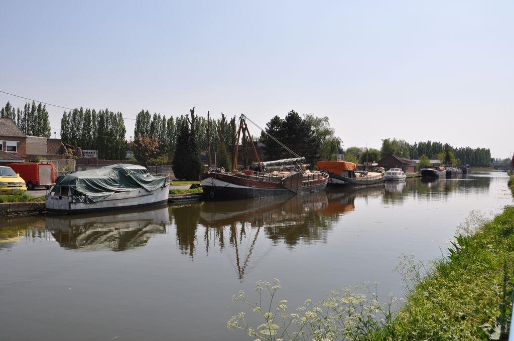 canal escaut à Cambrai.JPG