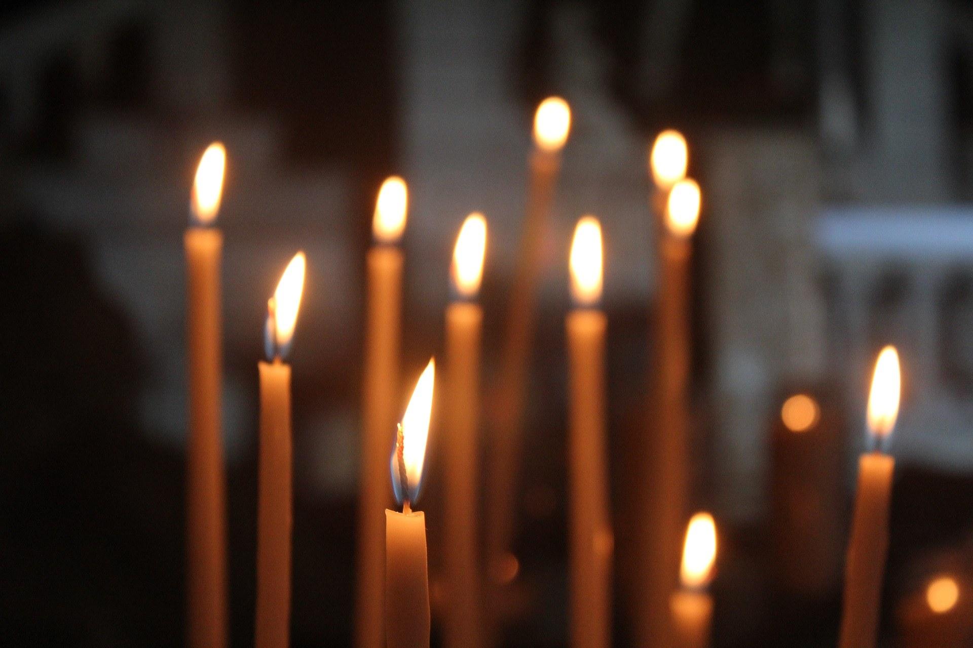 candle-2818819_1920