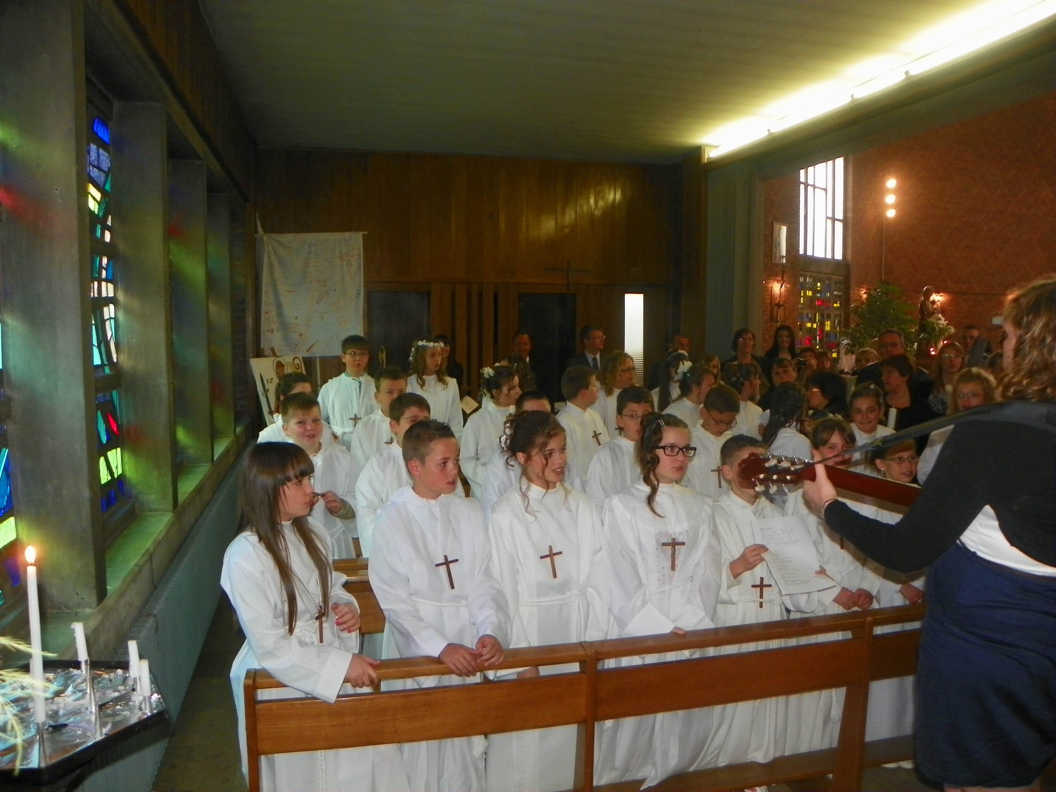communion-Bouchain-mai2012 015