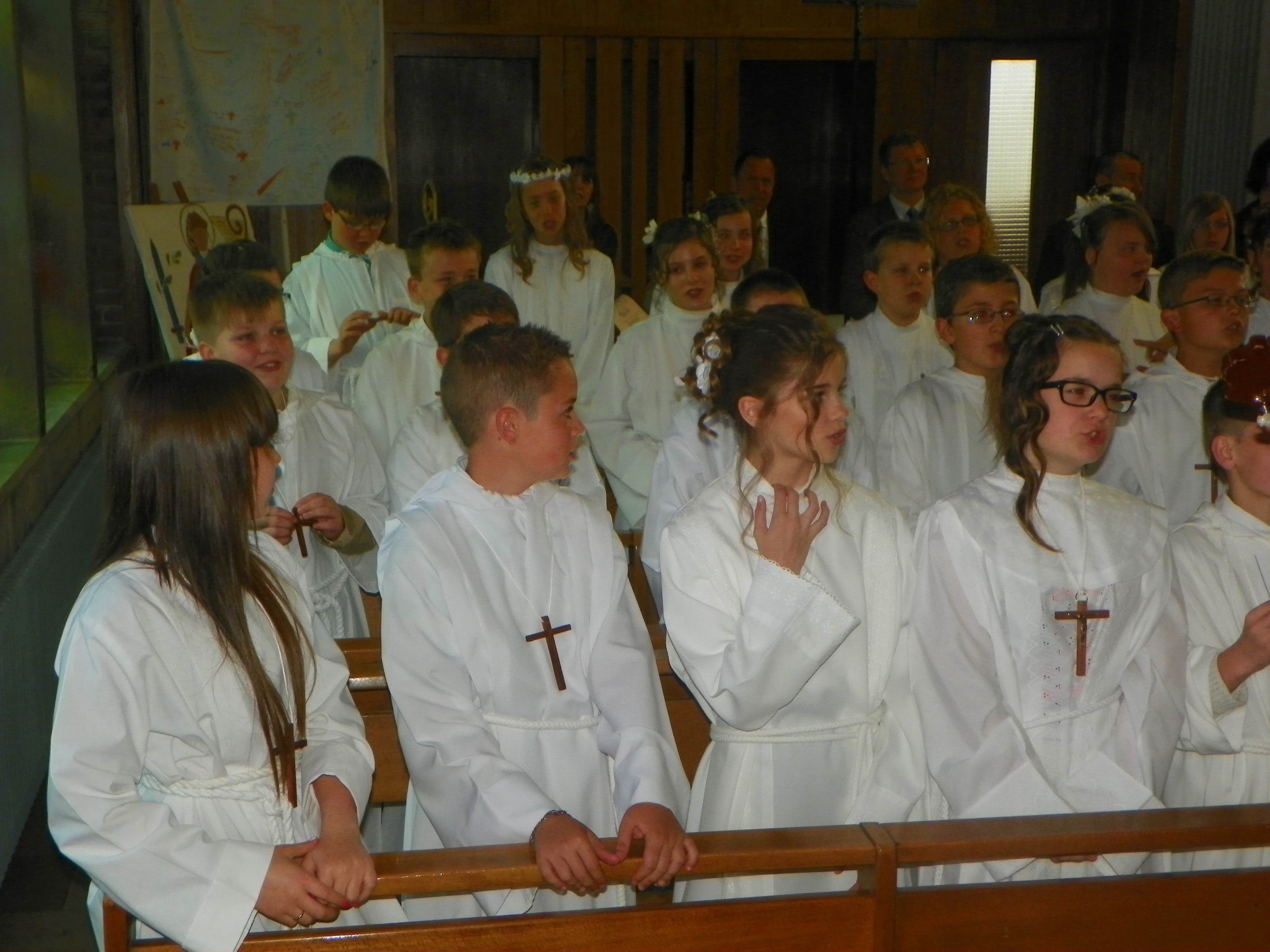 communion-Bouchain-mai2012 016