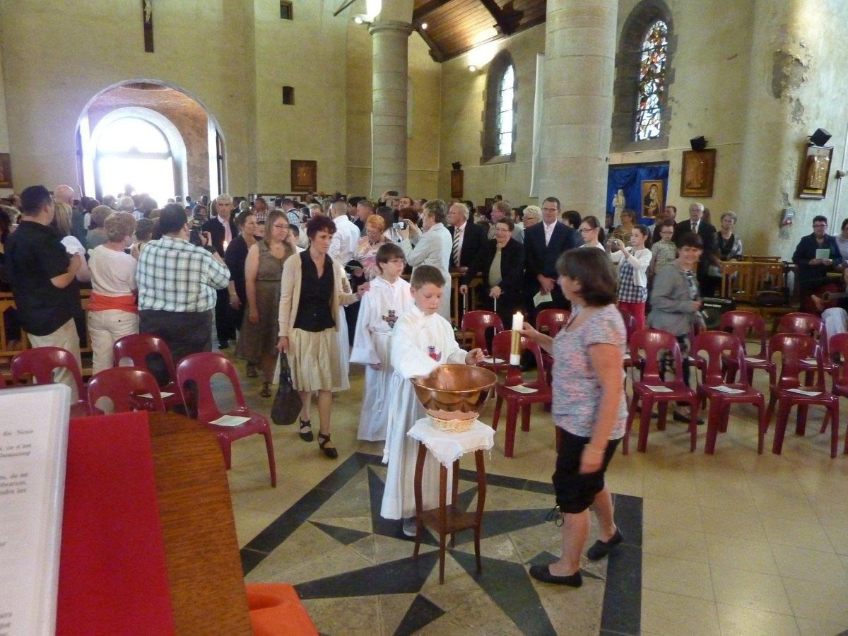 communions 2012 Berlaimont 004.jpg