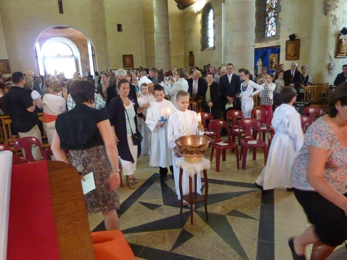 communions 2012 Berlaimont 005.jpg