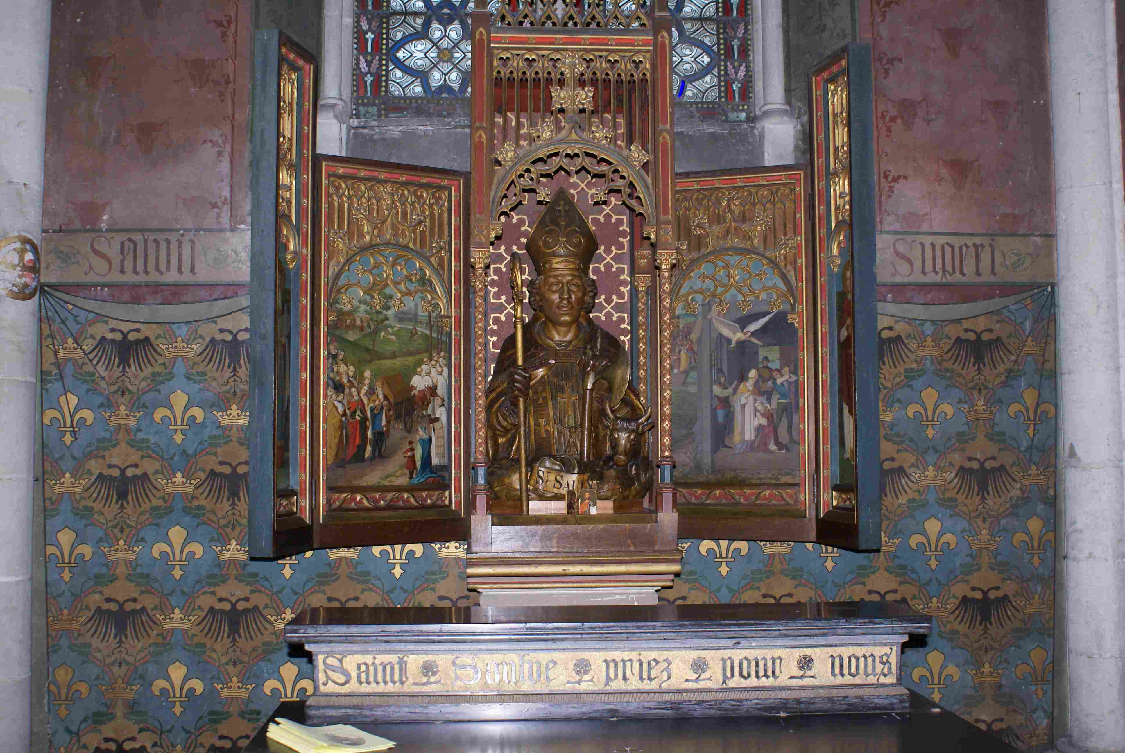 autour du buste de saint Saulve