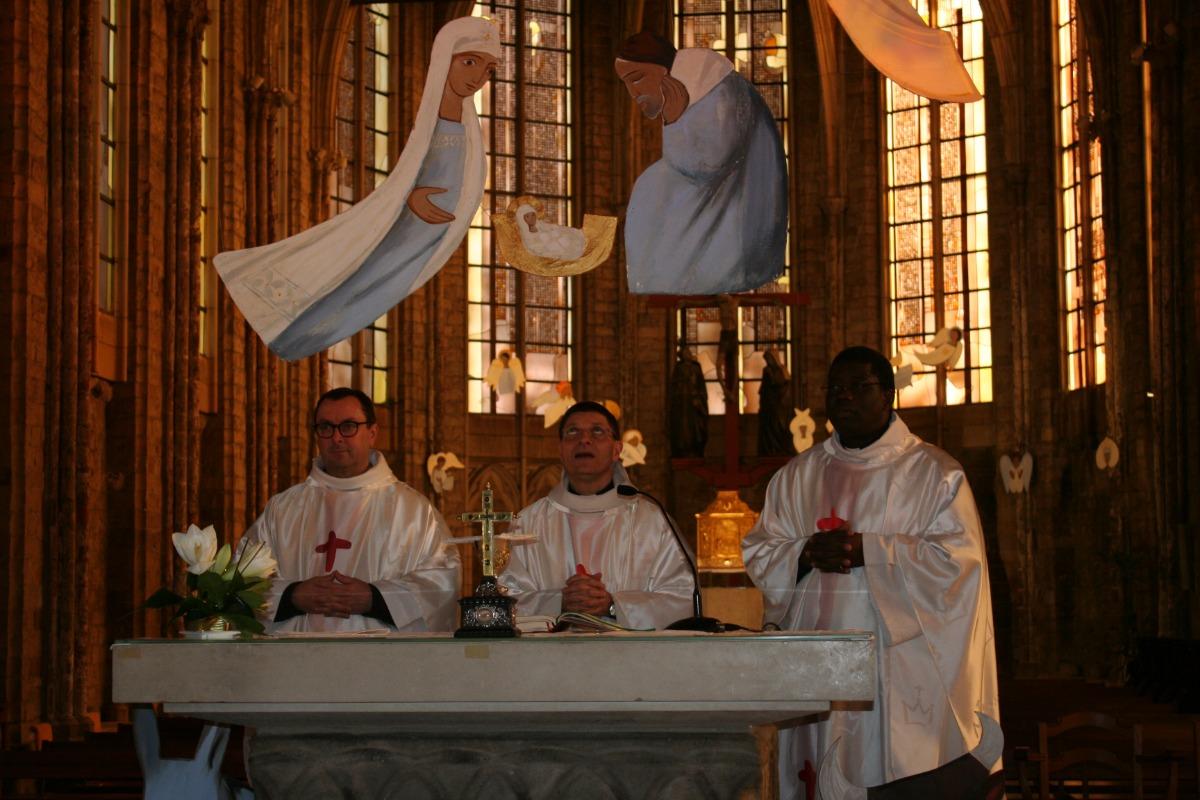 Au début de la prière eucharistique (1)