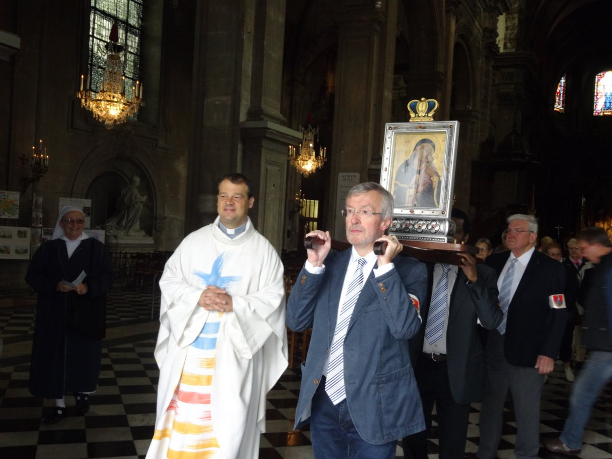 procession pour las messe des forains