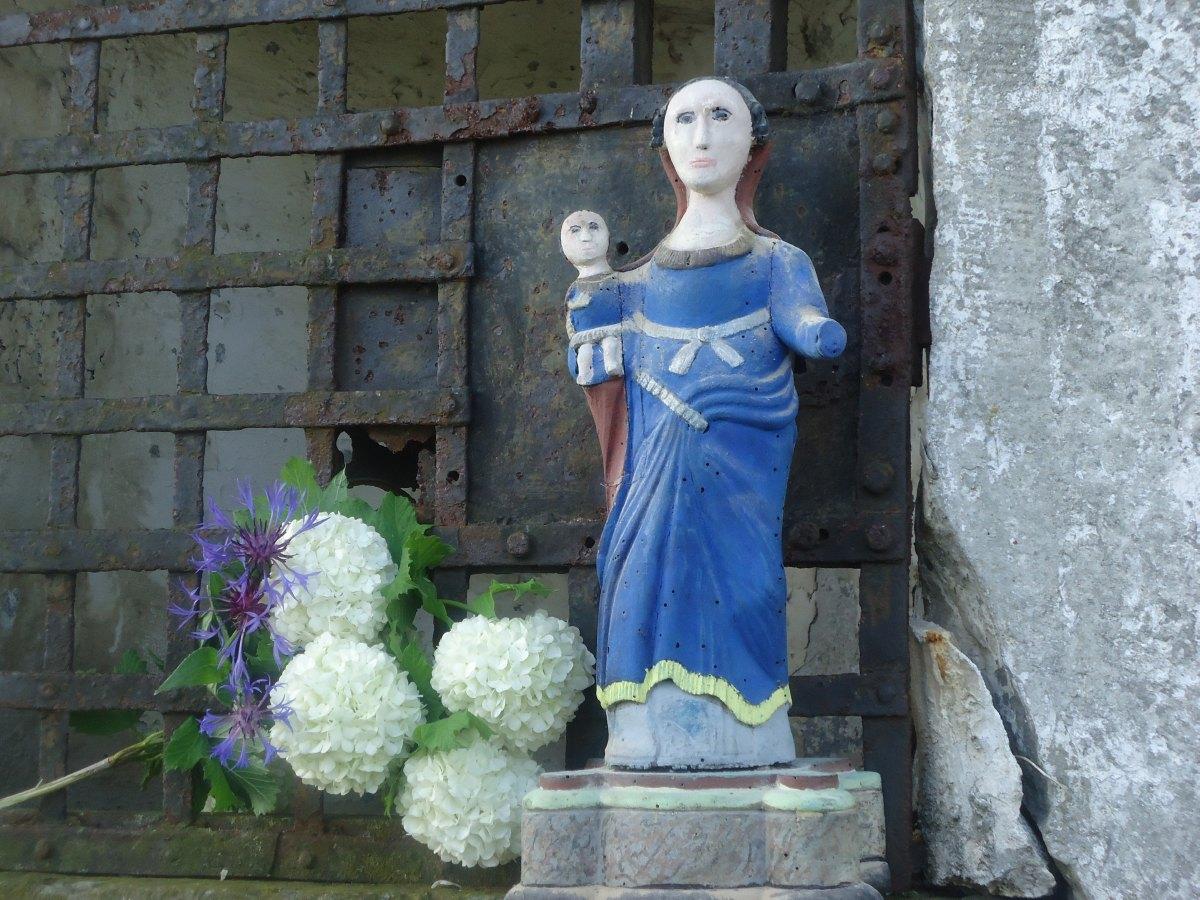 Statue ND des Fiévres.JPG