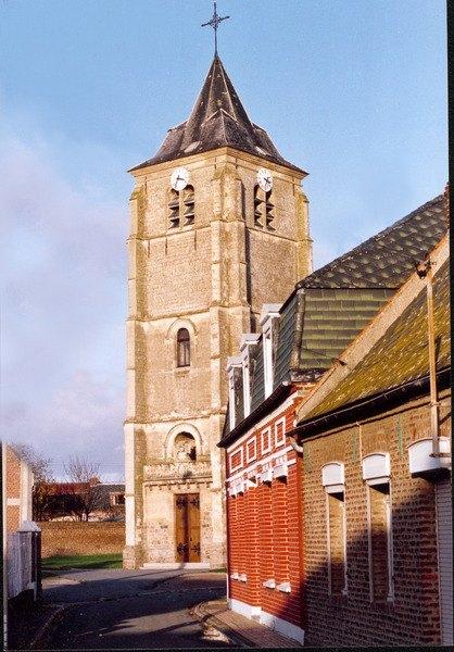 Eglise Naves.jpg