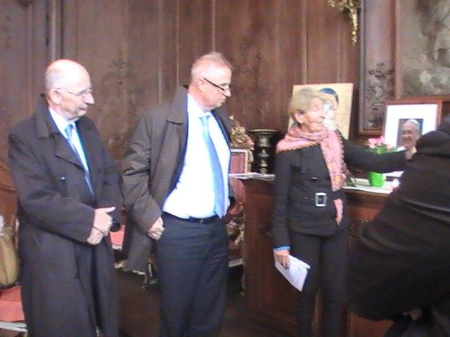 Monsieur l'ambassadeur et à sa droite Monsieur Legendre - présentation par Elisabeth De Clercq